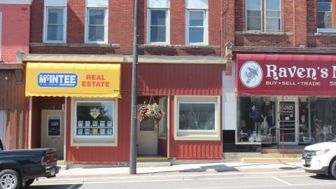 10 Elora St. S.